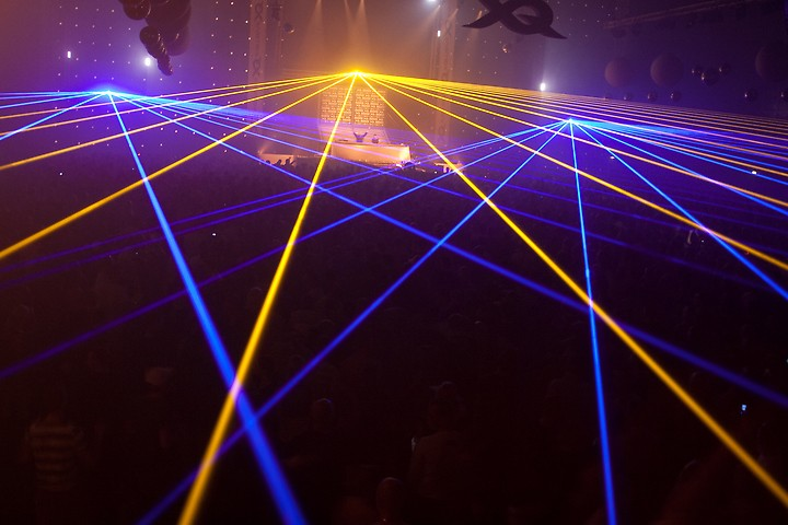 Lasers tijdens X-Qlusive Technoboy